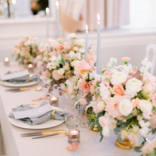 ILLUMINER LES COEURS   Quel plaisir de se replonger dans les photos de cette jolie table estivale. De quoi mettre un peu de soleil dans ces journées hivernales.   Workshop art de la table : @swissweddingmasterclass  Photos : @bydavidzuber Fleurs : @asclepiade.art.floral Papeterie @graphikkart Mobilier @saphirevents Lieu : @lausannepalace  • • • • • #mariage #wedding #decorationmariage #decormariage